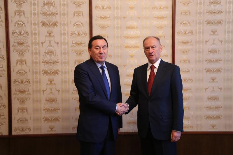 哈斯莫夫会见俄安全会议秘书帕特鲁舍夫