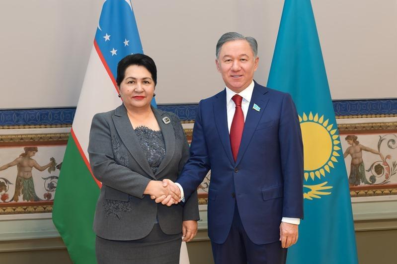 尼格马图林会见乌兹别克斯坦及摩尔多瓦议会议长