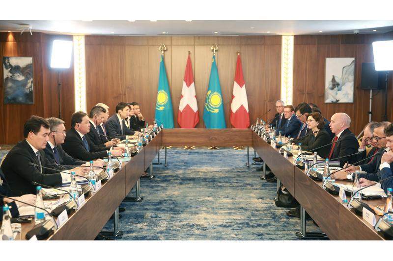 Премьер-Министр РК провел переговоры с Федеральным Президентом Швейцарии