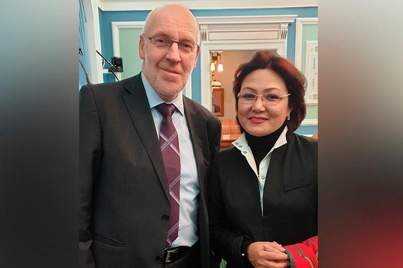 Senator Dana Nurjigitova kóshbasshy áıelderdiń jahandyq forýmyna qatysty