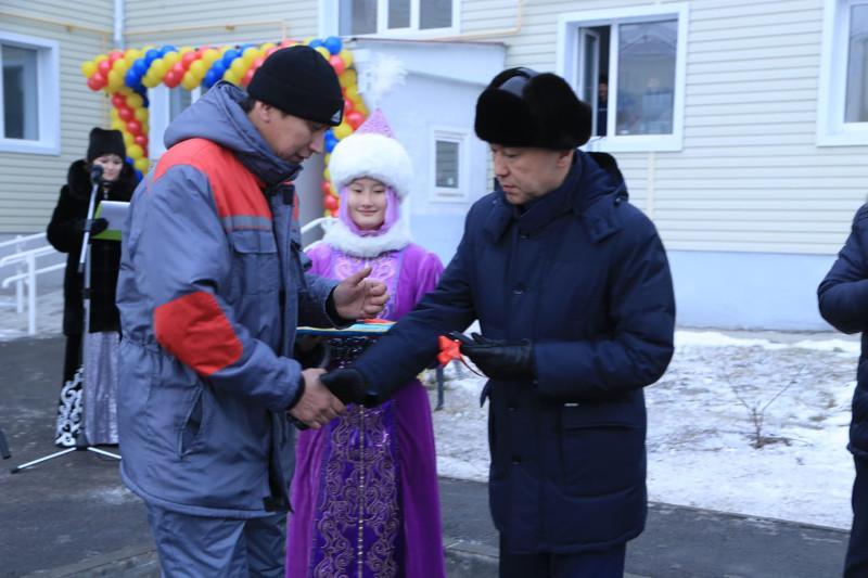 «Нұрлы жер»: Қостанай облысында 118 жас дәрігерге пәтер берілді