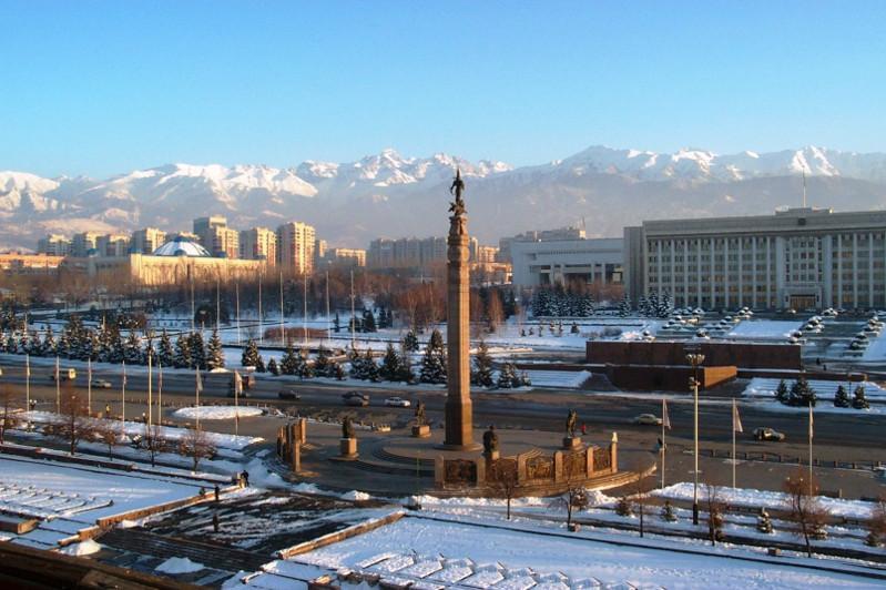 Членам ассоциации инвалидов пообещали помочь с помещением в акимате Алматы