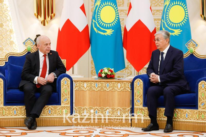 Qazaqstan men Shveıtsarııa Prezıdentteri qandaı máseleler qozǵady