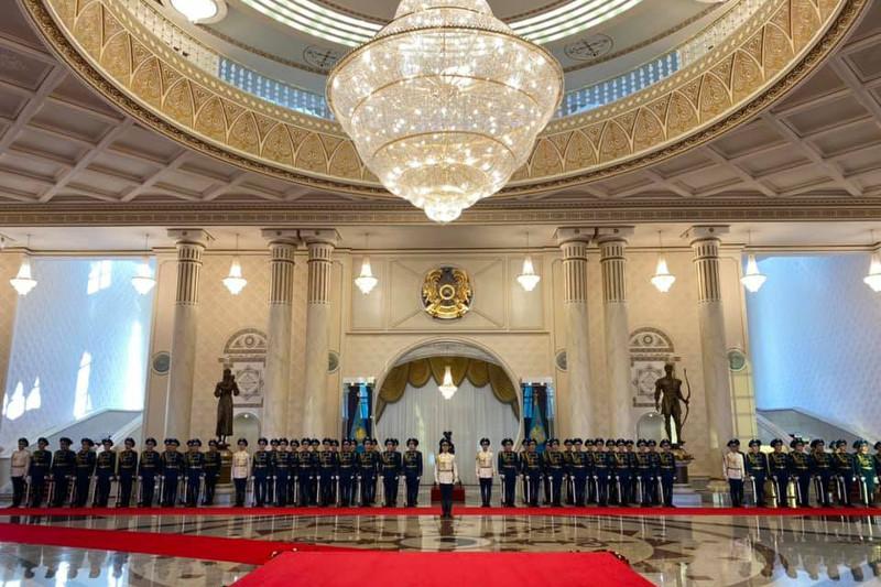 视频:哈萨克斯坦首次现场直播总统府欢迎仪式