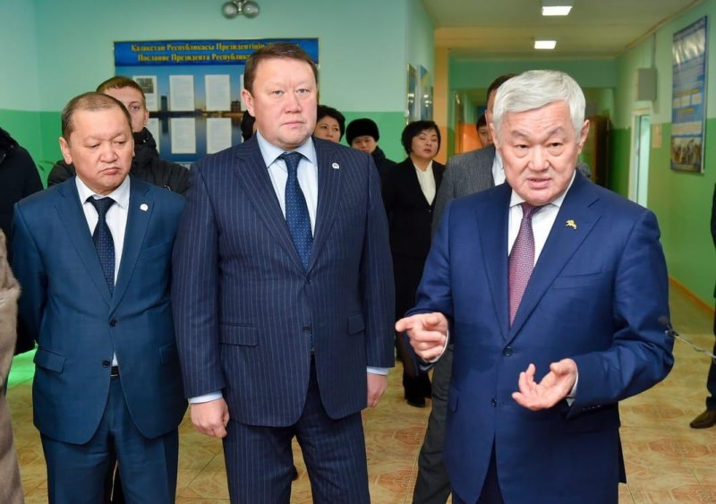 ساپاربايەۆ سولتۇستىك قازاقستان وبلىسىندا قونىس اۋدارۋشىلارعا ارنالعان ۇيلەردى ارالادى