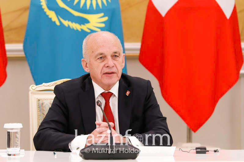 瑞士联邦主席:哈萨克斯坦是年轻及高速发展中的国家