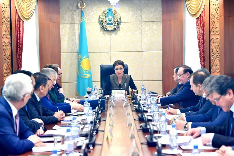 Дарига Назарбаева и Дмитрий Казанцев обсудили проблемы развития МСБ в Казахстане