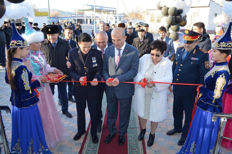 Лучший полицейский Нью-Йорка принял участие в открытии фронт-офиса в Туркестане