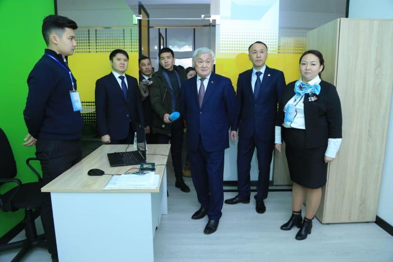 Бердибек Сапарбаев встретился с активной молодежью и волонтерами Костаная