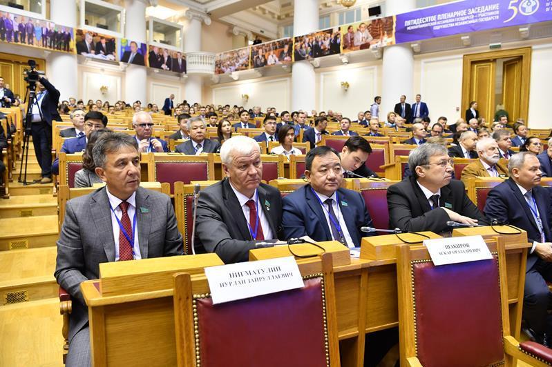 Kazakhstani senators attend jubilee CIS IPA session