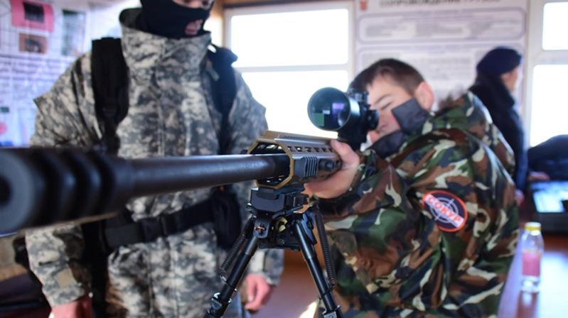 Курс молодого бойца для детей из детдома провели карагандинские полицейские