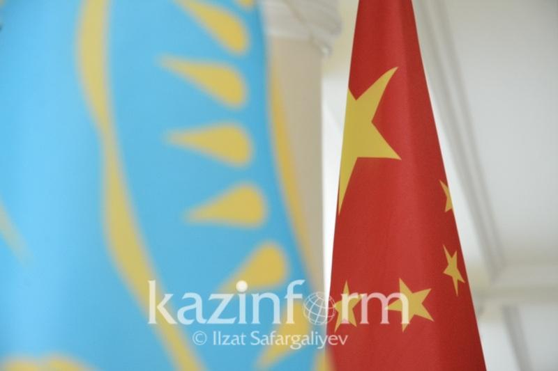 哈萨克斯坦新任驻华大使向中国国家主席递交国书