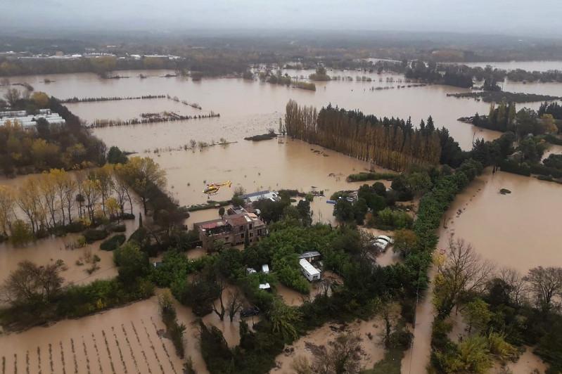 Большая вода пришла во Францию: 4 погибли в наводнении