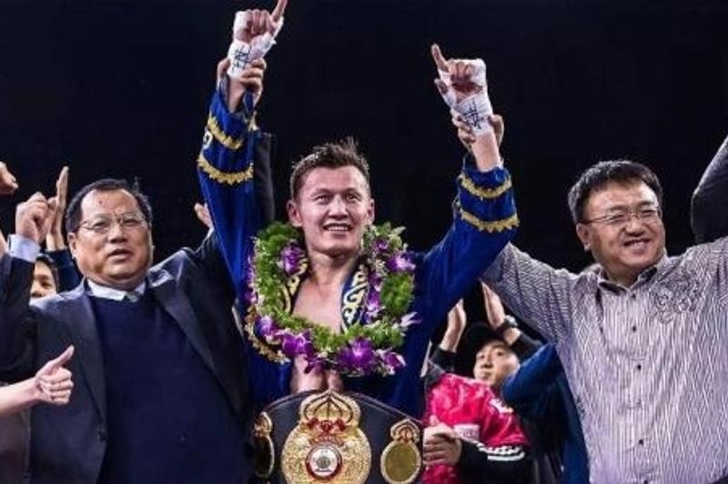 Қытайдағы қазақ боксшысы «Канело» промоутерлерінің бокс кешінде жеңіске жетті