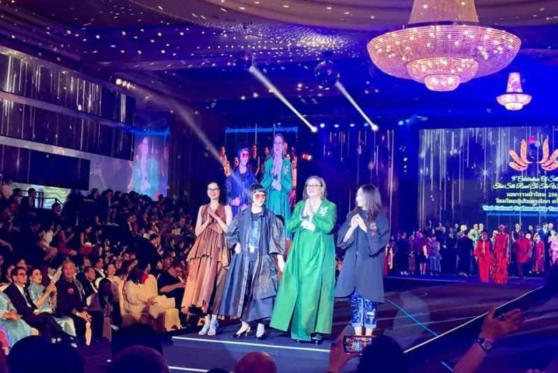 哈萨克斯坦时装设计师作品亮相泰国舞台
