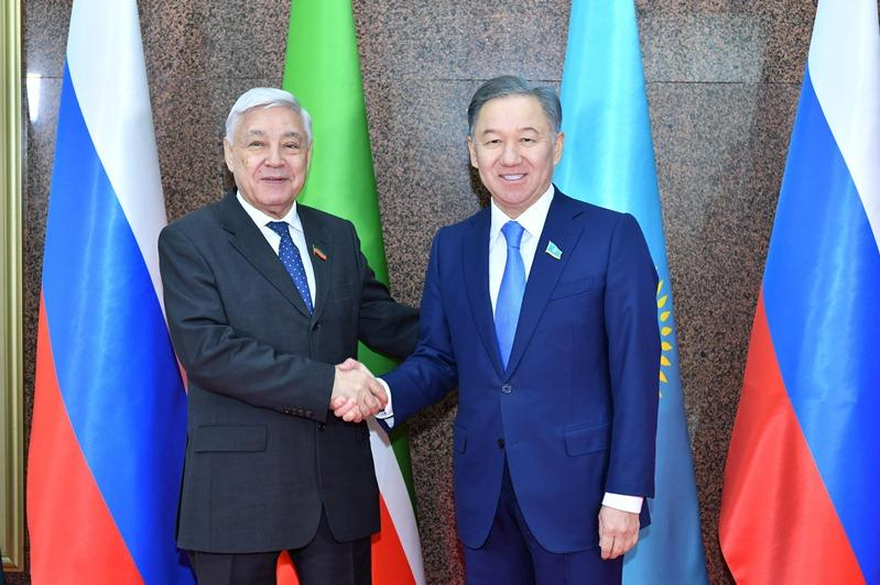 Majilis Speaker holds talks with Chairman of Tatarstan parliament