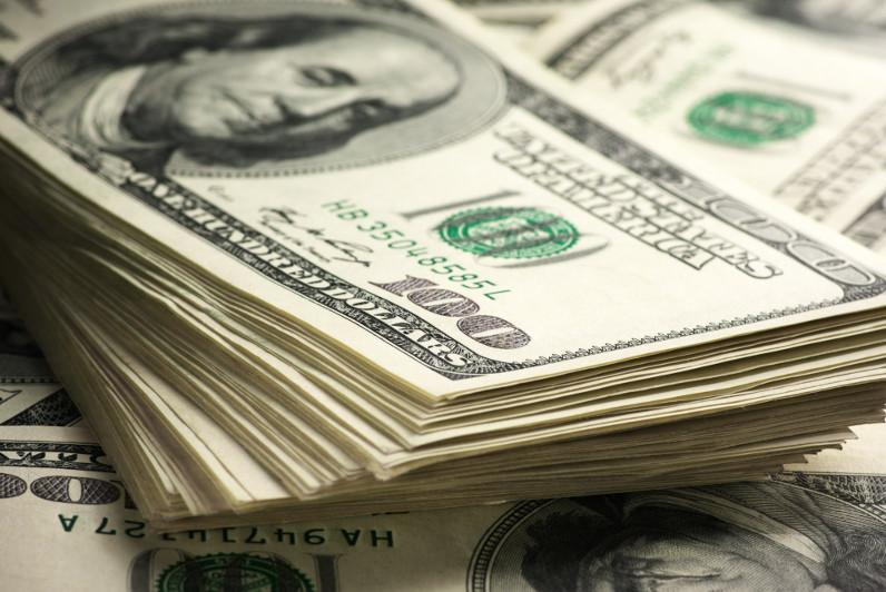 Уровень долларизации депозитов снизился на 3,7% с начала года и достиг 44,7%