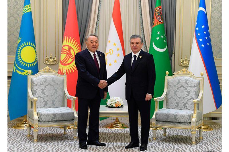 В Ташкенте состоялась встреча Нурсултана Назарбаева и Шавката Мирзиеева