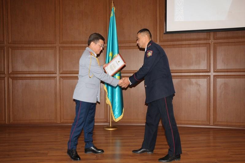 Транспортная полиция наградила лучших оперативников, следователей и криминалистов
