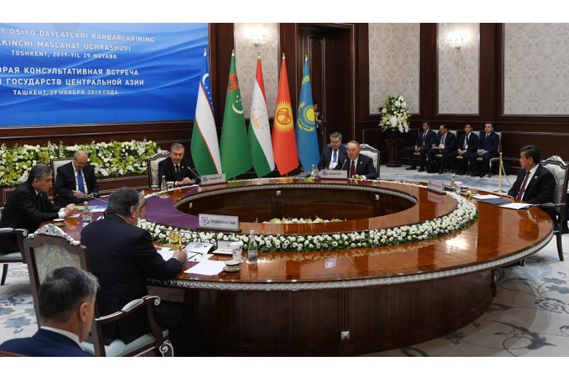 Нурсултану Назарбаеву присвоен статус Почетного Председателя Консультативной встречи глав государств ЦА