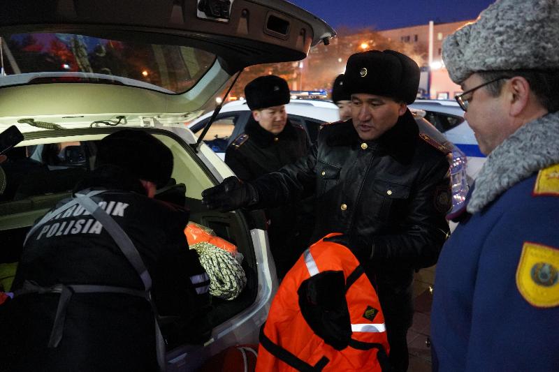 Зимнее оснащение экипажей патрульной полиции проверили в Костанайской области