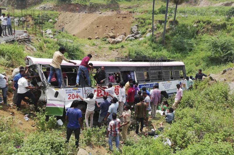 7 died, 15 injured as van falls in river in Indian village