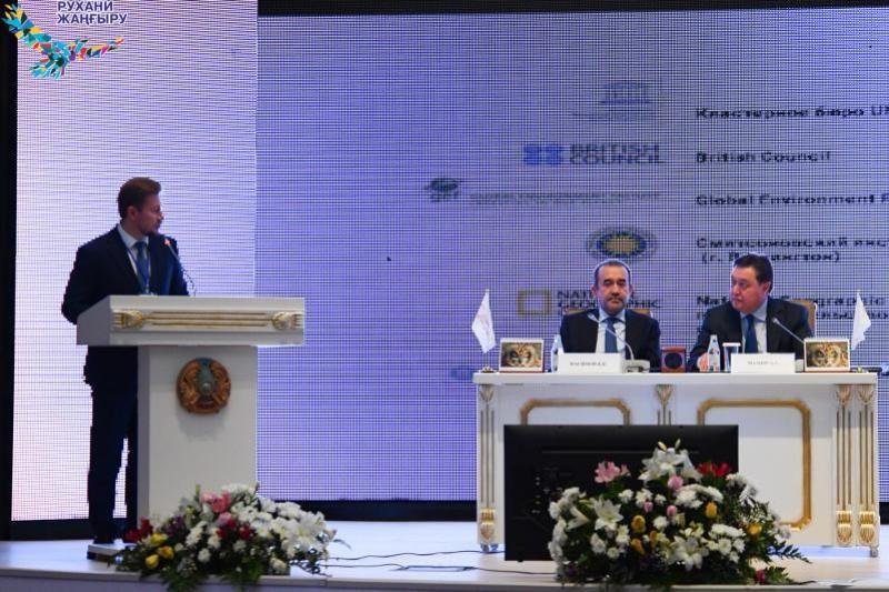 О проводимых в Казахстане масштабных археологических исследованиях рассказал Андрей Хазбулатов