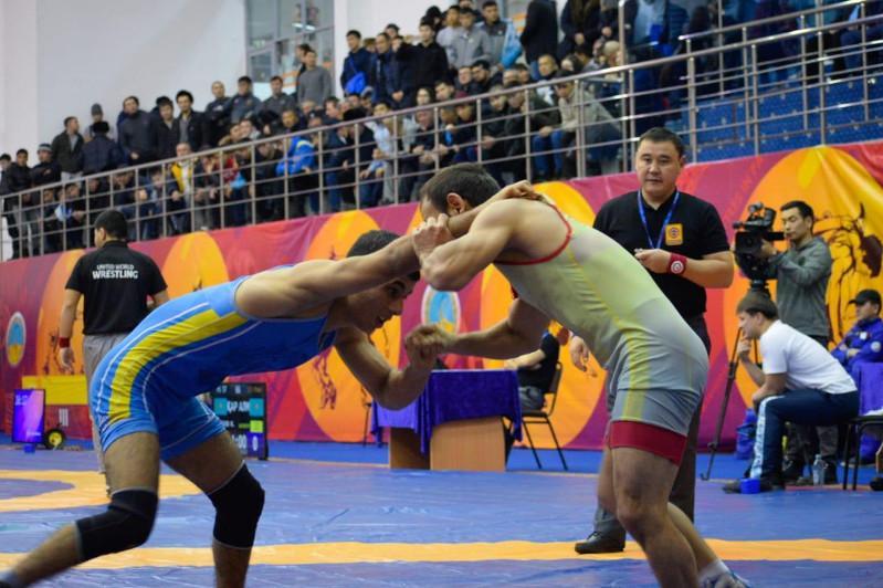 Республиканский турнир по вольной борьбе памяти Жаната Усина стартовал в Павлодаре