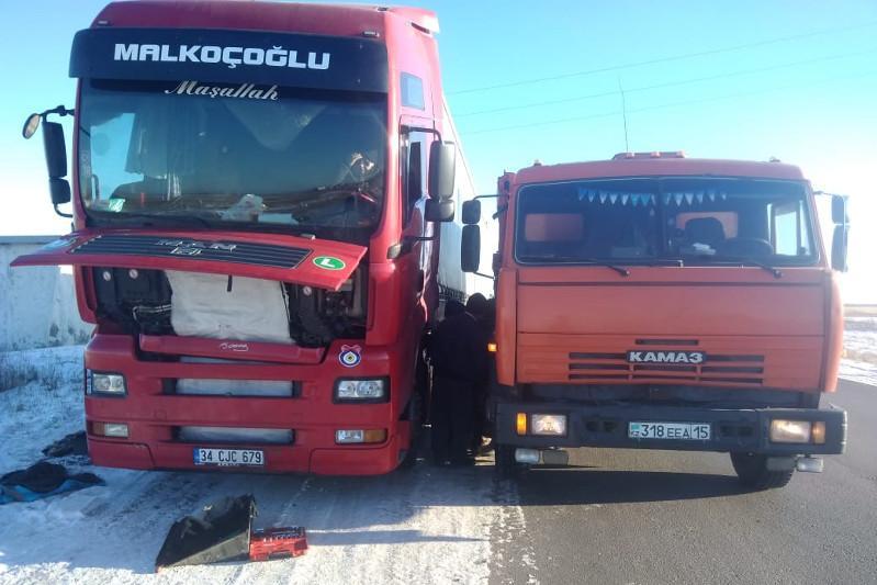 Автобус с пассажирами-иностранцами сломался на трассе в СКО
