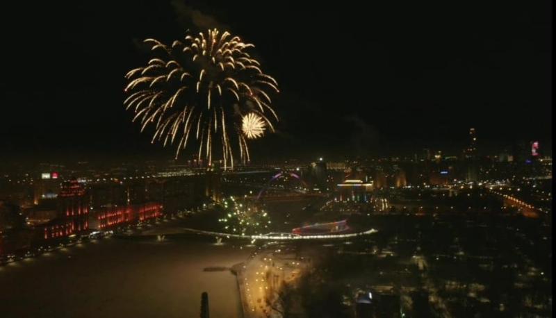 Праздничный фейерверк прошел в столице