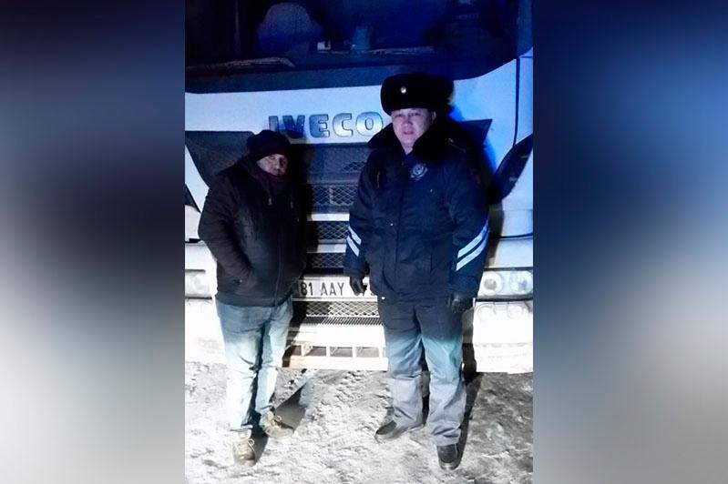 Трех дальнобойщиков из Турции спасли в Акмолинской области