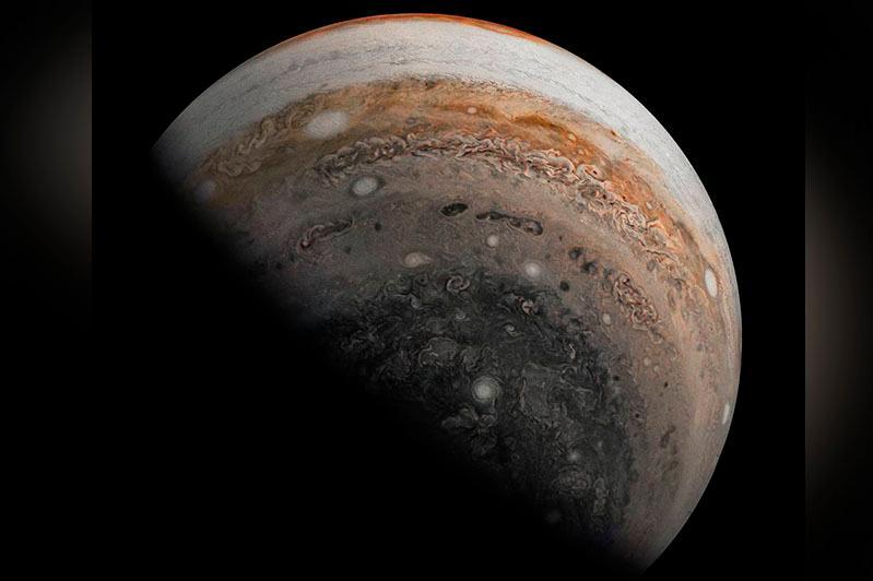 NASA аппараты Юпитердің жаңа суретін жақыннан түсірді