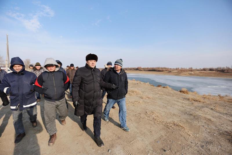 Нұрлан Ноғаев Махамбет ауданында Жайықтың жағалауын бекіту жұмыстарымен танысты