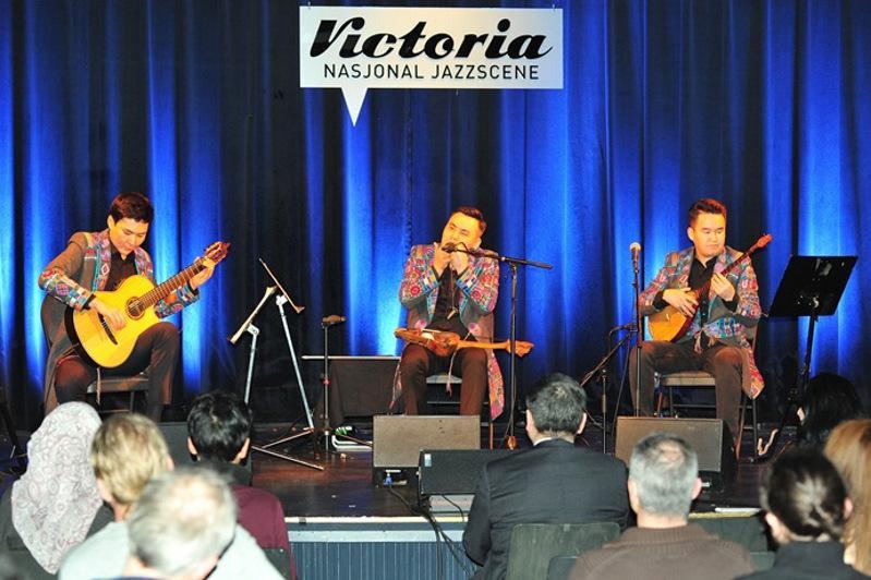 Kazakh ethnic folk band shines in Norway