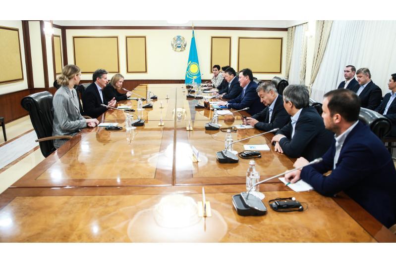 Премьер-Министр встретился с президентом Международной ассоциации легкоатлетических федераций