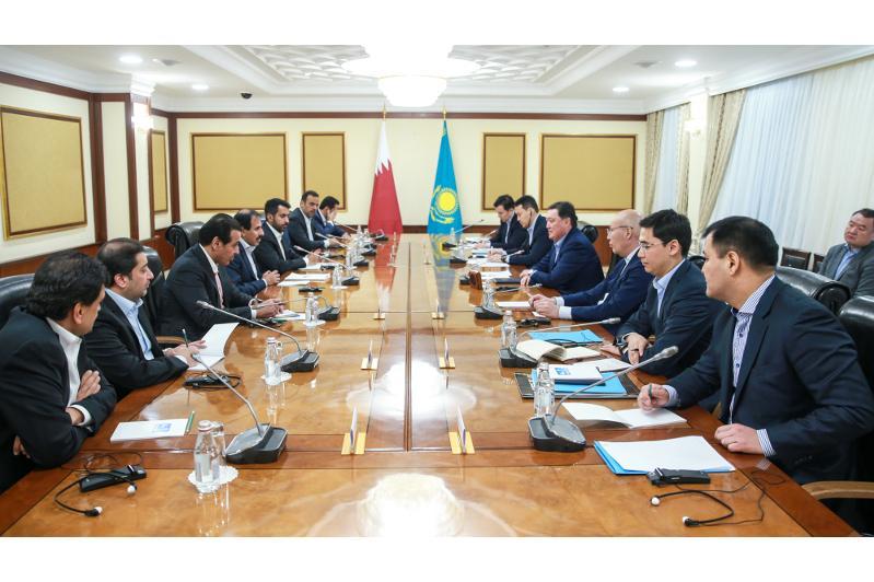 Kazakh PM, Governor of Qatar Central Bank hold talks