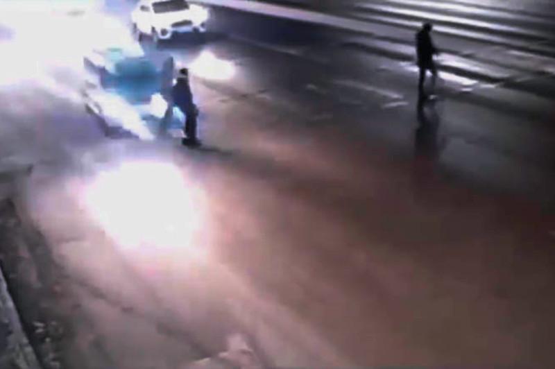 Угонщик такси сбил двух пешеходов в Нур-Султане