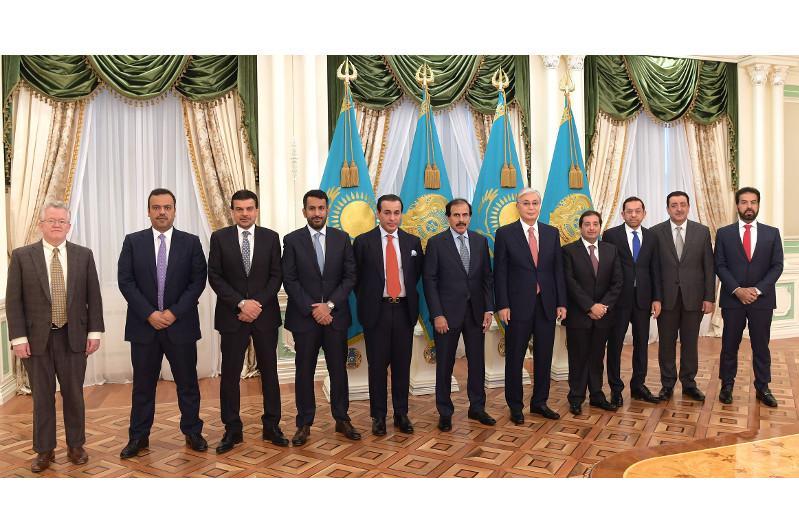 托卡耶夫总统在总统府会见卡塔尔中央银行代表团