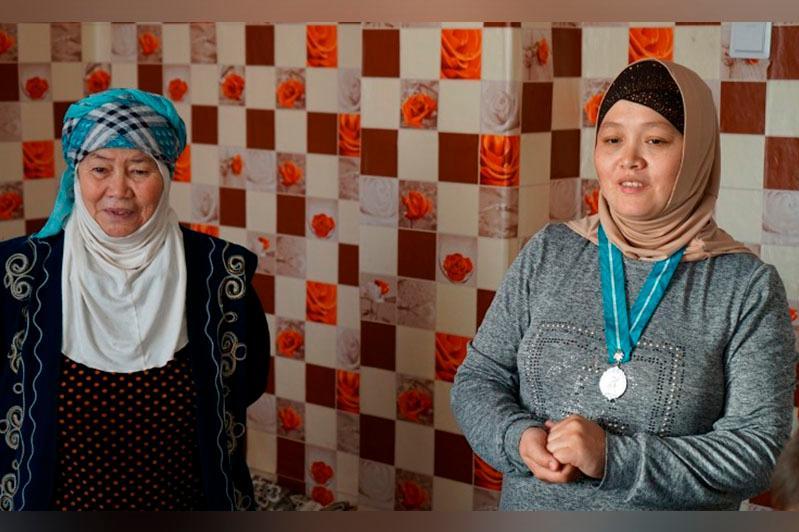 Многодетная мать отказалась от квартиры в Семее и переехала в село