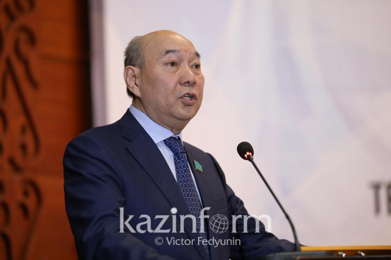 Сенатор предложил увеличить финансирование Фонда науки до 200 млрд тенге
