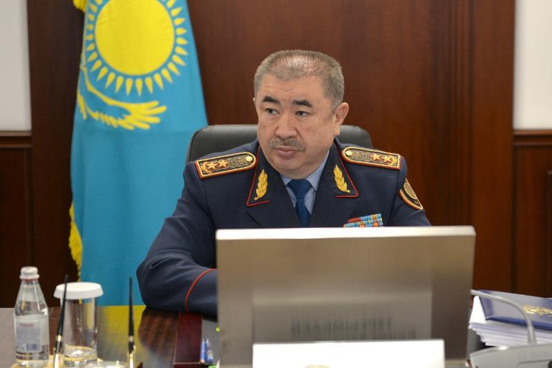 Прием граждан провел министр внутренних дел Ерлан Тургумбаев