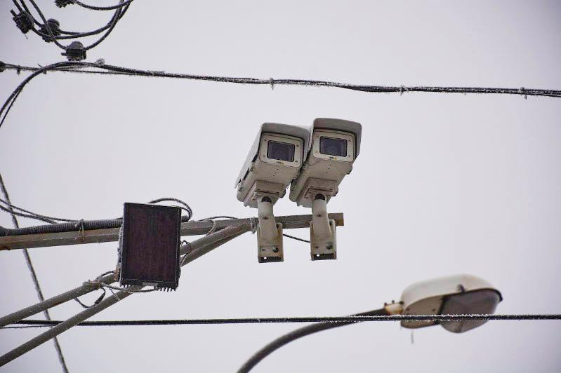 Ереже бұзатын шетелдік нөмірі бар көліктермен «ақылды» камералар күреспек