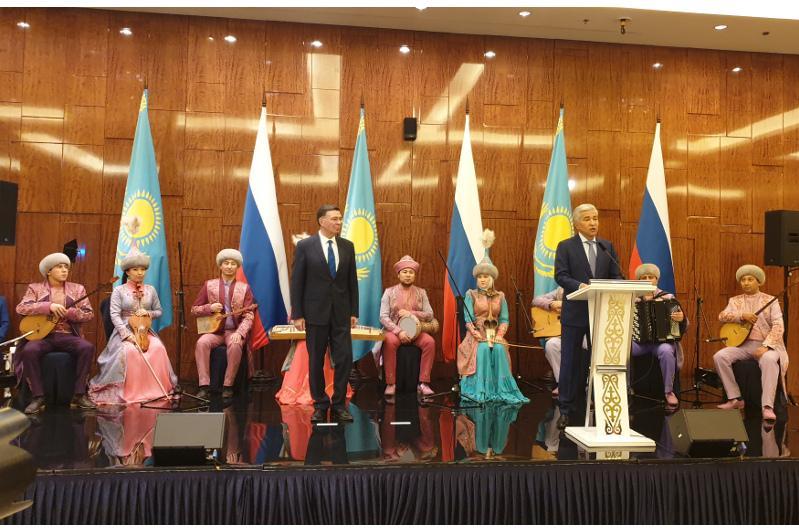 哈萨克斯坦驻俄使馆举行独立日招待会