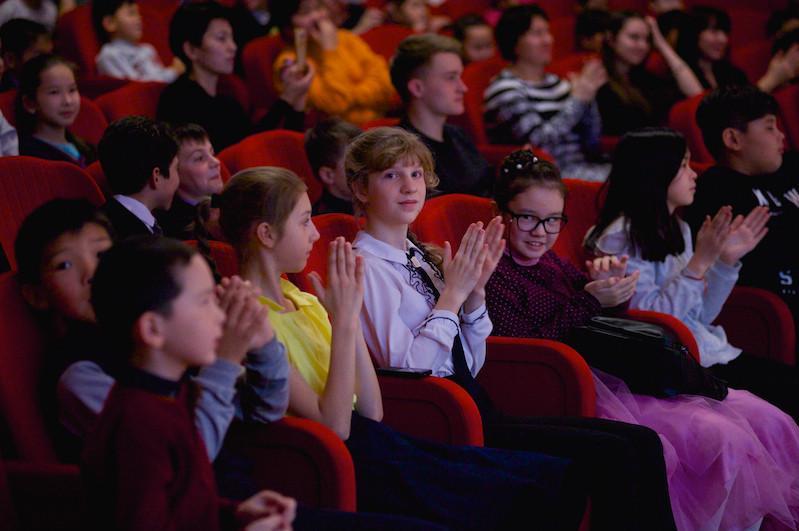 Для детей столицы организовано посещение культурных и спортивных мероприятий