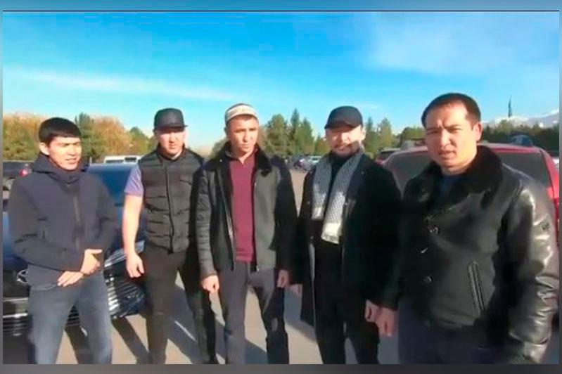 Қазақстандық бизнесмен боксшы Мадияр Әшкеевке темір тұлпар мінгізді