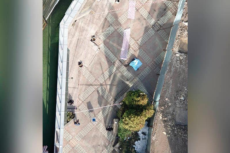 Мужчина упал с высотного здания бизнес-центра в Алматы