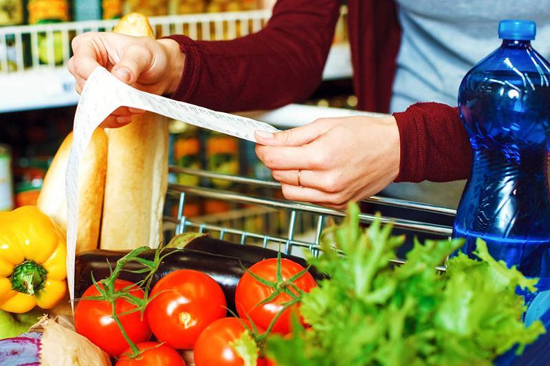 Ряд продуктов питания реализуют по заниженным ценам в Кокшетау