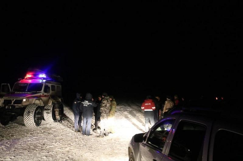 Пропавших в Каспийском море рыбаков спасли в Атырауской области