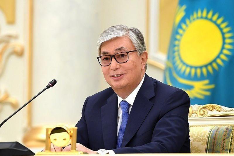 托卡耶夫总统上任半年对哪些国家进行了访问