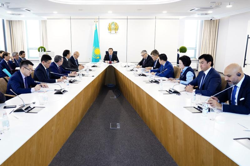 Kazakh PM holds Turkestan city development meeting